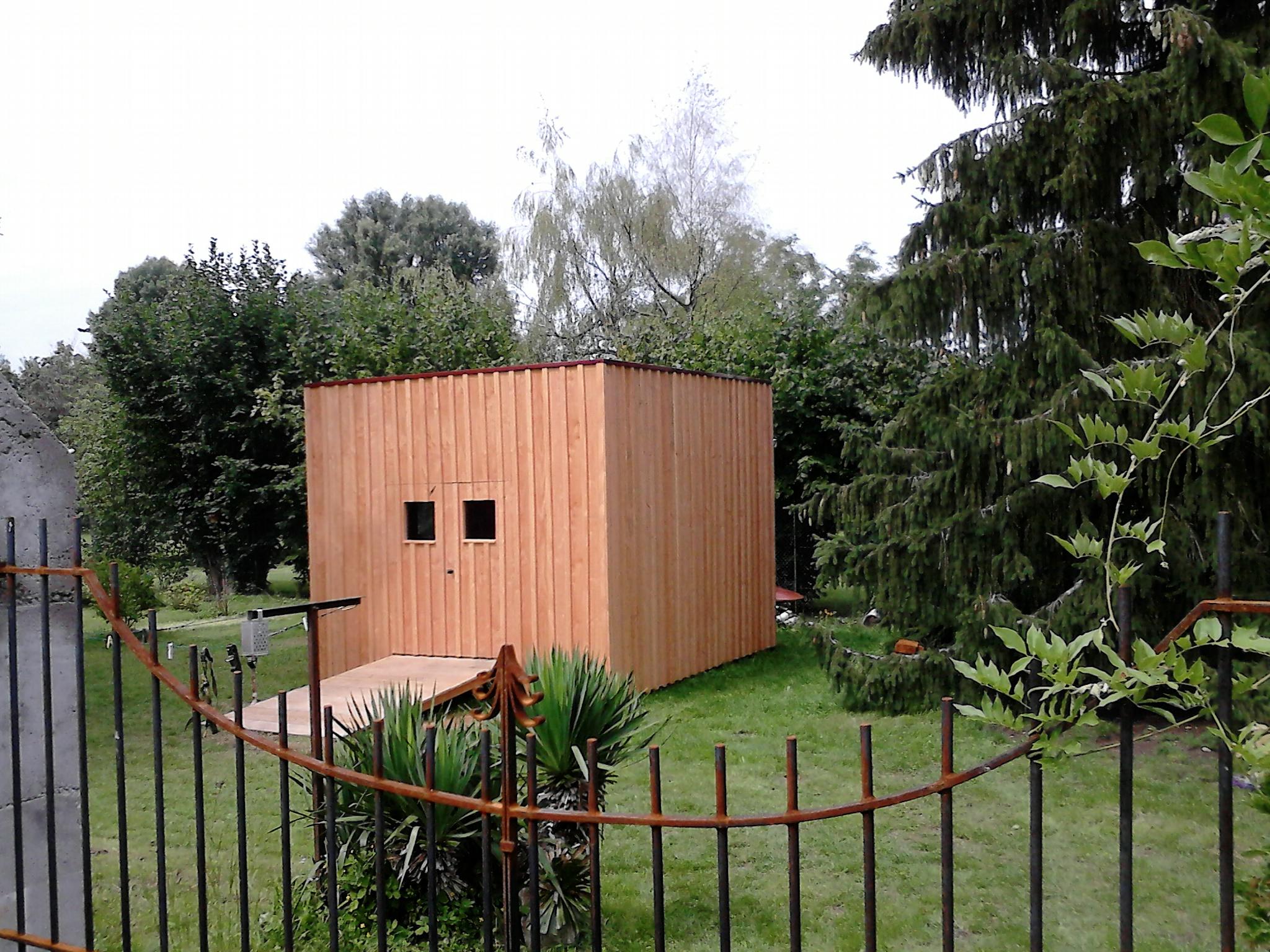 Awesome cabanon de jardin contemporain photos for Abri jardin 10m2