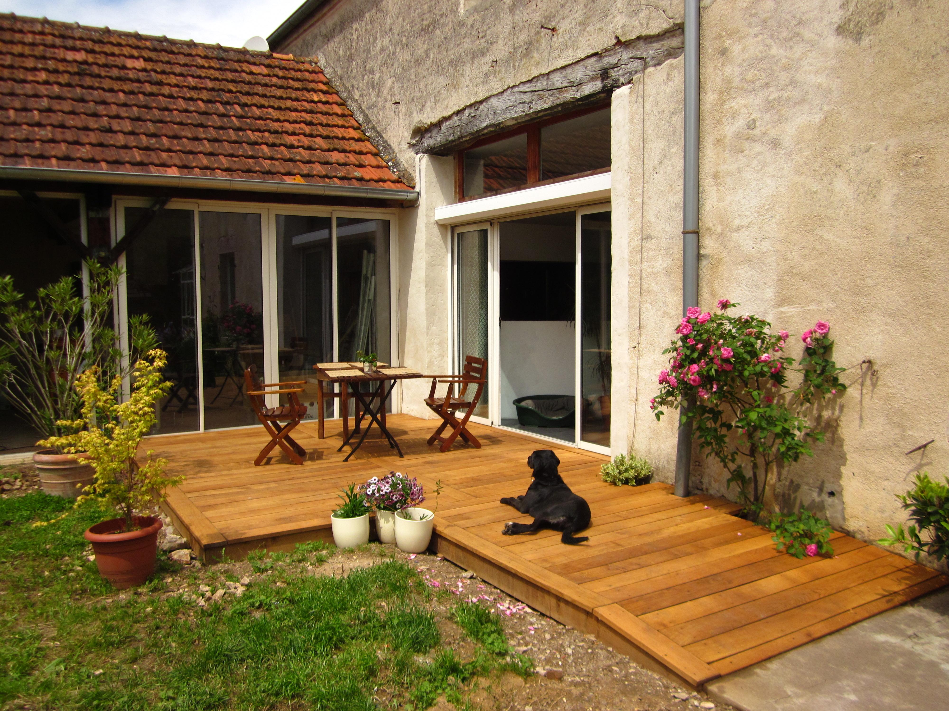 terrasse en ch ne bois et fibres. Black Bedroom Furniture Sets. Home Design Ideas
