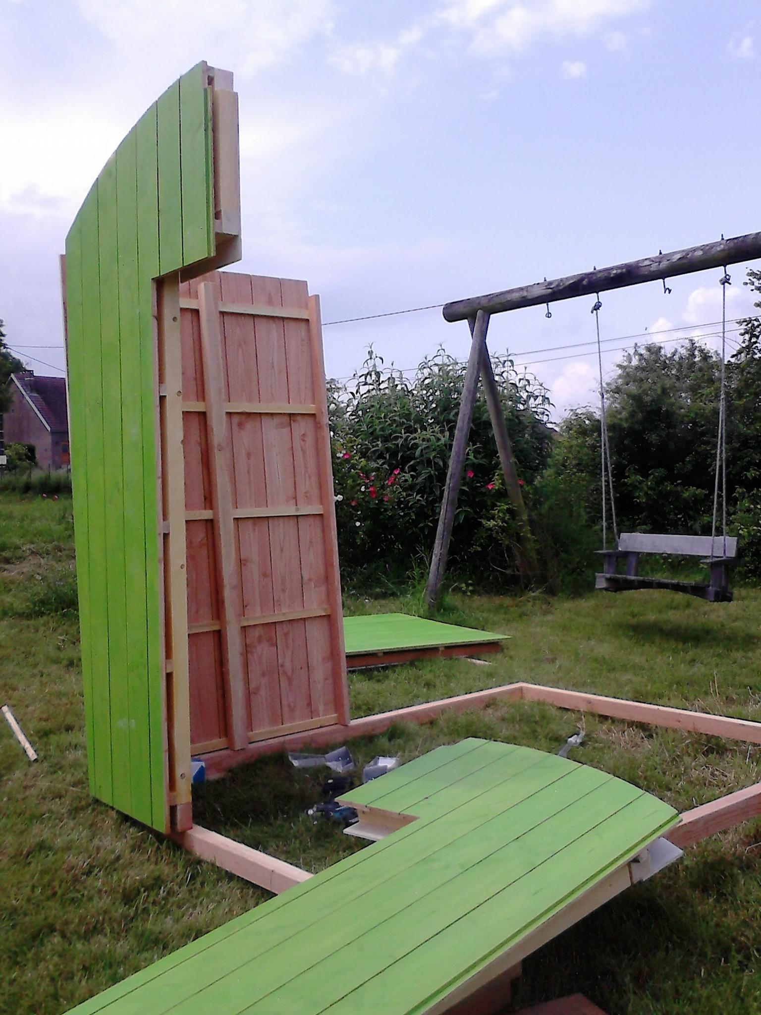 Abri cabane de jardin contemporain bois et fibres - Cabane jardin atelier besancon ...